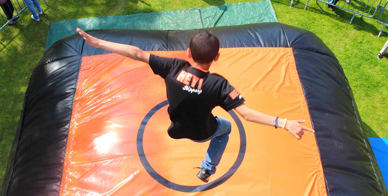 air-bag-free-jump-maxi-jeux-et-division-jeux-et-attractions