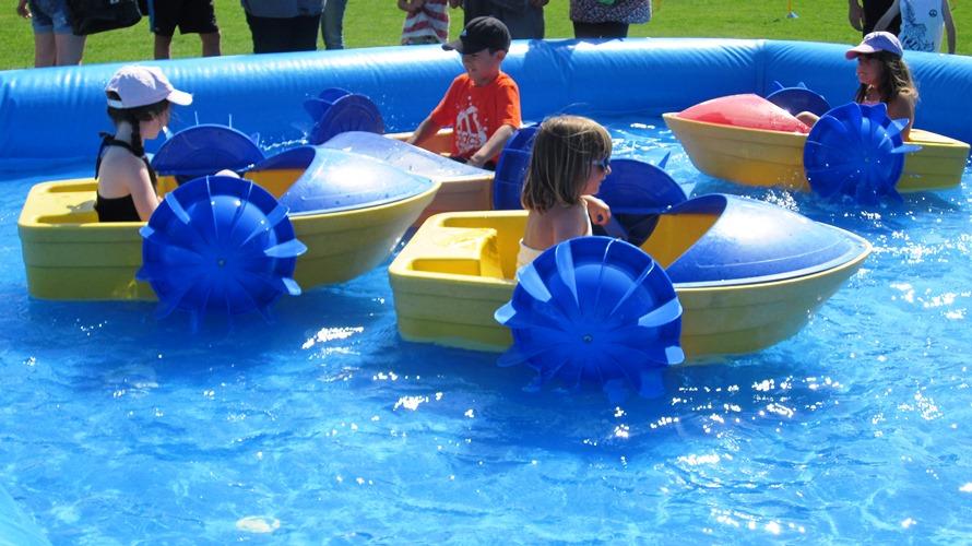 ANIMATION_bateaux_piscine_gonflable_12